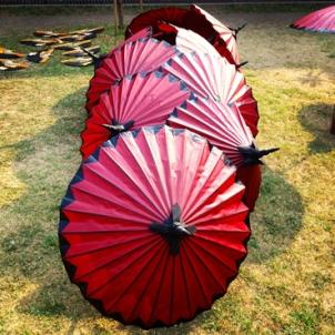 dekorative Schirme im Umbrella Making Center
